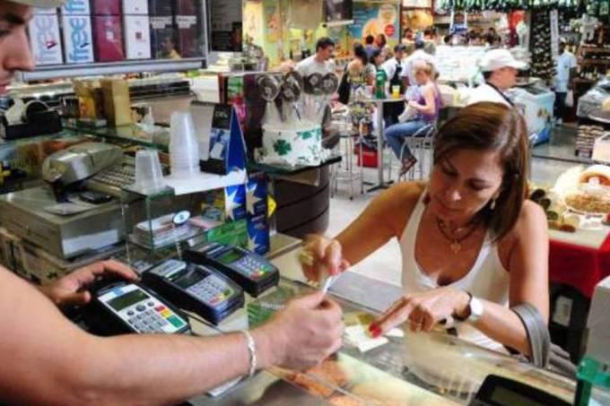 Comércio em SP fecha 5,8 mil postos de trabalho em junho, diz Fecomercio