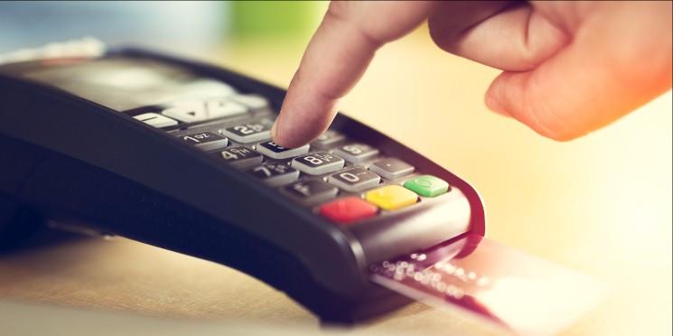 Cresce uso de maquininhas de cartão nos pequenos negócios