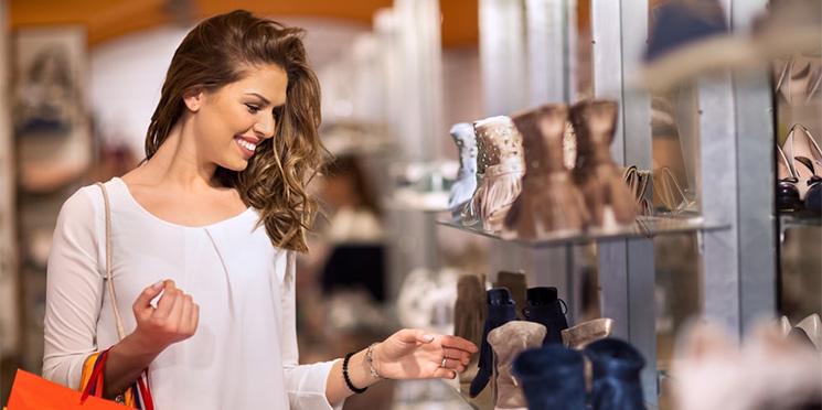 Faturamento dos shoppings deve crescer 3% com namorados