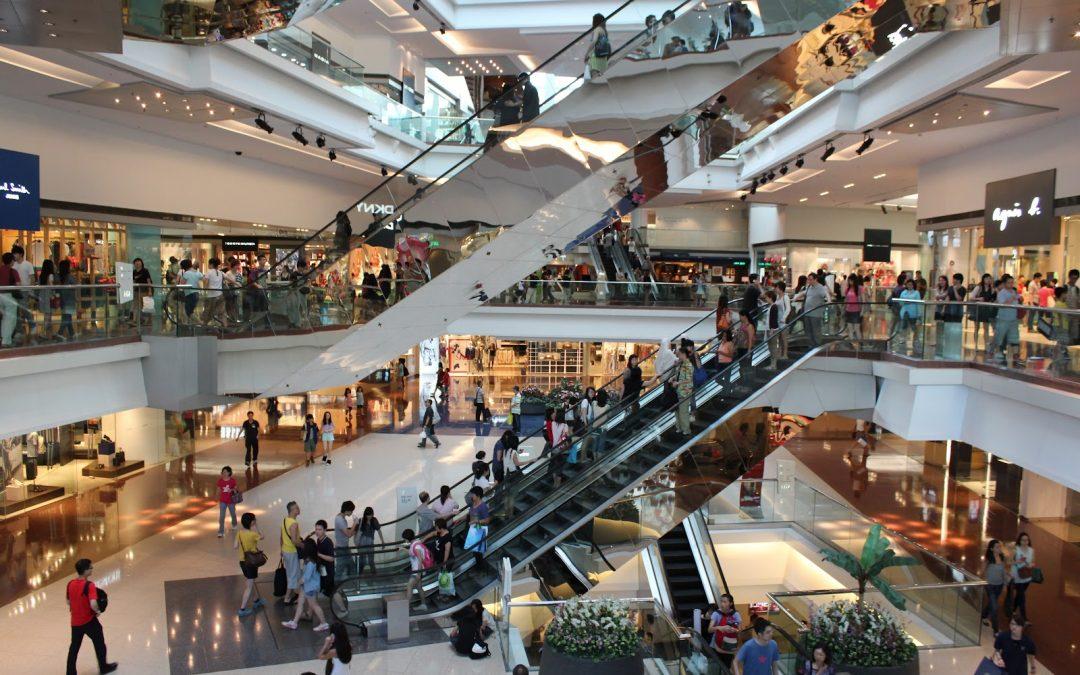 Shoppings devem contratar mais de 100 mil temporários para o final do ano